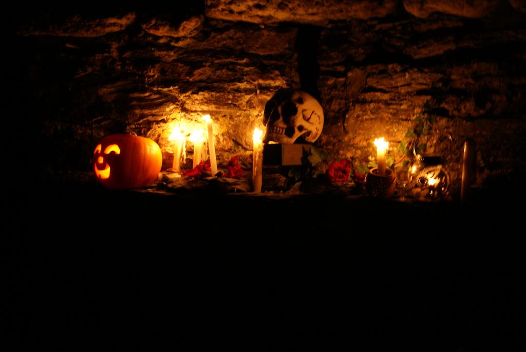 imageslike.com-large-samhain-samhain-offering